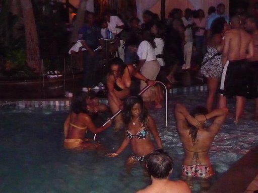 Sécurité et loisirs à Dakar : Les piscines-party et soirées sur les plages sont désormais interdites
