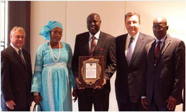 Dr. Diouf en compagnie de Robert Carullo, Ministre Madame Badiane, Kevin Doyle et le Ministre Kane