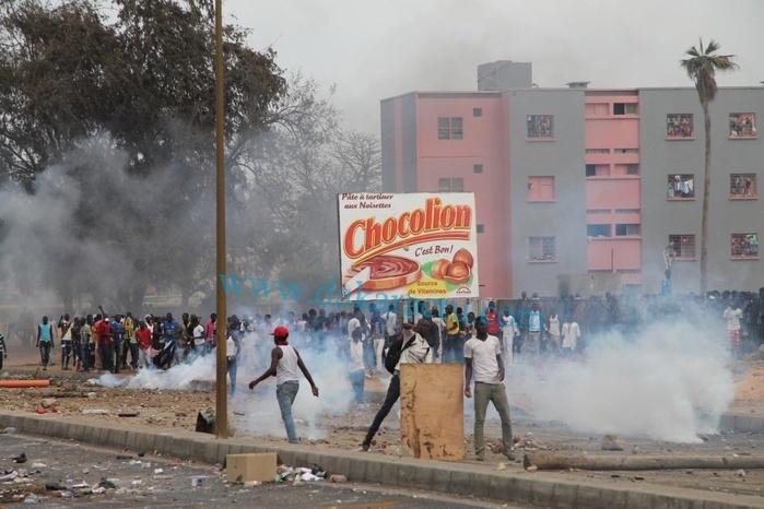 Dernière minute : étudiants et forces de l'ordre  s'affrontent à nouveau à l'UCAD