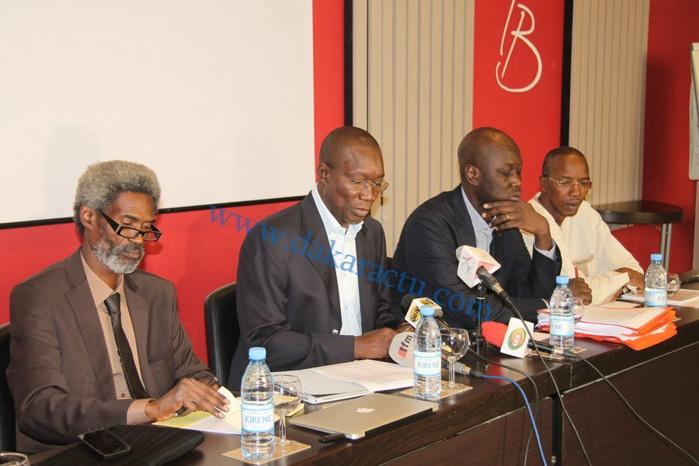 Les images de la conférence de presse des avocats de Karim Wade