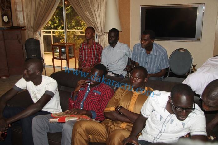 Les images de la visite des étudiants chez Me Abdoulaye Wade