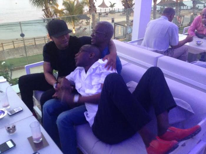 El hadji Diouf prend du bon temps avec son ami Hamid Fall
