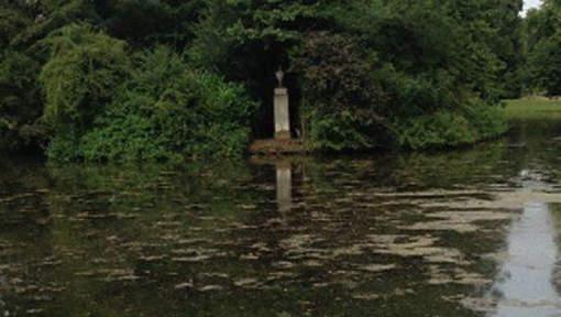 La tombe de Lady Di laissée à l'abandon