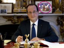 François Hollande explique pourquoi il garde une photo de Valérie Trierweiler dans son bureau