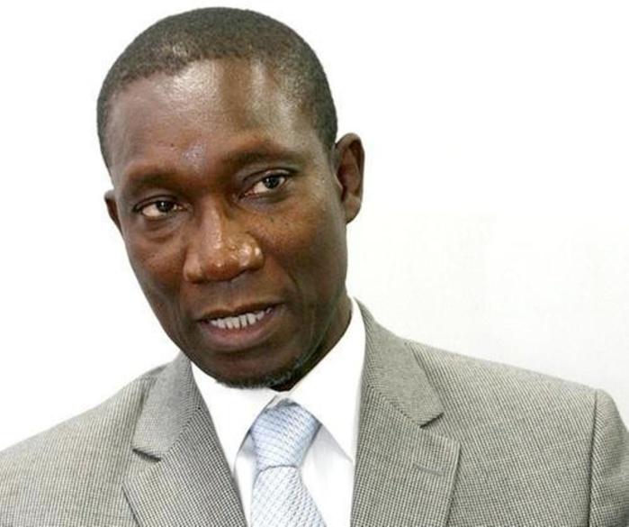 """Me Amadou Sall avocat de Wade fils : """"Jusqu'à l'extinction du soleil, la culpabilité de Karim ne peut être établi (...) Certains des 77 témoins vont témoigner le couteau à la gorge (...)"""""""
