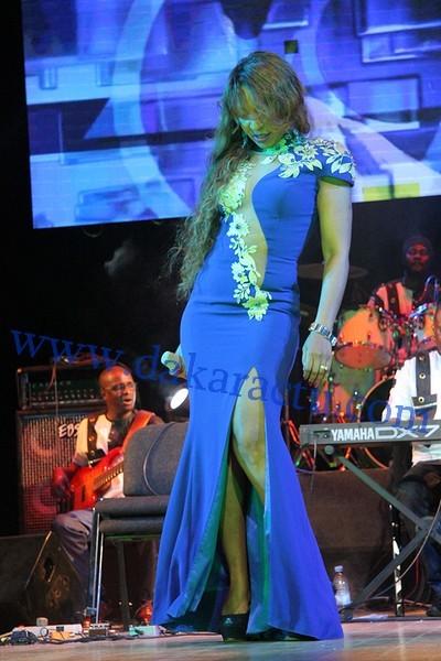 La très belle robe de Viviane Chidid à la soirée retour d'Omar Pène