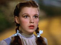 Judy Garland : l'ex-enfant star devait s'affamer et mourrait de faim sur les plateaux