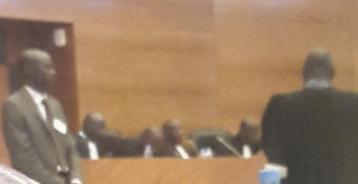 La Crei et les 11 avocats de la partie civile bénéficient d'une protection rapprochée, la salle d'audience sous haute surveillance... Que redoute le pouvoir judiciaire?