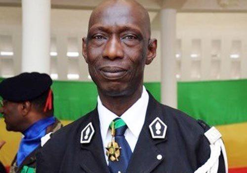 """La famille du colonel Ndaw s'inquiète d'un """"traitement d'isolement systématique"""" (ONG)"""