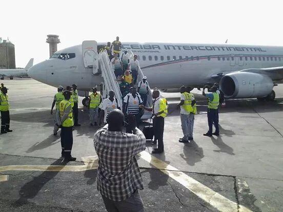"""Après la victoire, hier à Gabaronne, les """"Lions"""" ont regagné Dakar ce matin"""