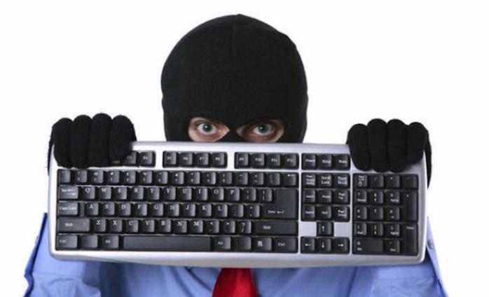"""Fraude sur le réseau téléphonique : L'italien, gérant du célèbre  """"Blue Saxo"""" et sa bande tombent!"""