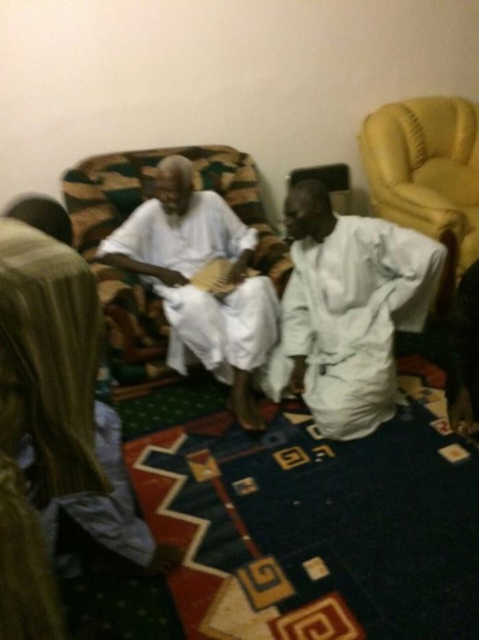 Les hommes d'affaires Elimane Lam et son ami Aziz N'diaye reçus par le Khalife Général des mourides aux HLM