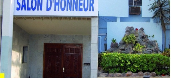 Agrandissement du salon d'honneur de l'aéroport Léopold Sédar Senghor : de qui se moque t-on?