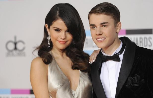 Justin Bieber : fou amoureux, il demande à Selena Gomez de vivre avec lui