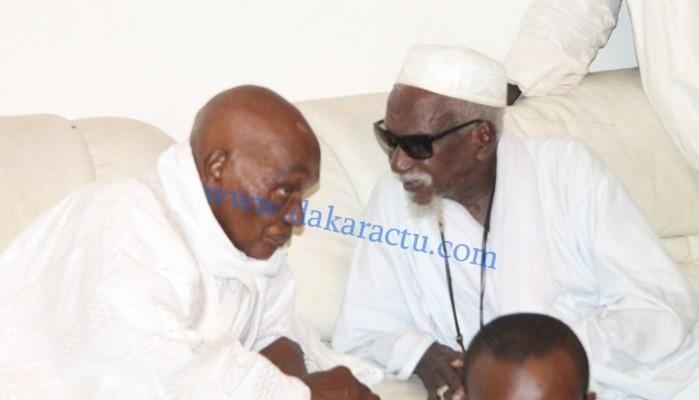 """Le """"berndé"""" extraordinaire du Khalife général des Mourides : Serigne Sidy Makhtar envoie des réjouissances à Me Wade et à son fils Karim"""