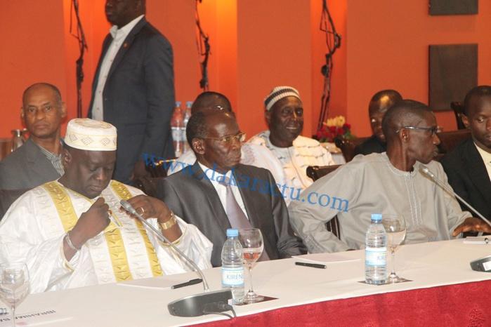"""Les premières images de la rencontre entre le président de la République Macky Sall et les membres de """"Benno Bokk Yaakar'"""