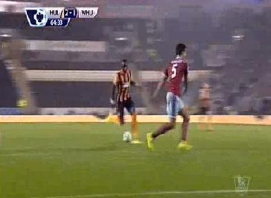 Mohamed Diamé en remonte-pente à Hull City