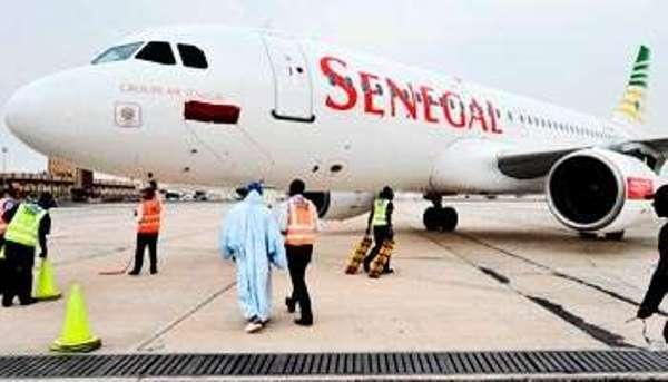 Des pèlerins retenus au sol pendant 48 h par Sénégal Airlines refusent de quitter la salle d'embarquement :Ça chauffe à l'aéroport LSS!