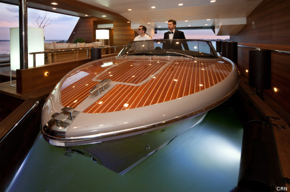 Un yacht avec... garage (PHOTOS)
