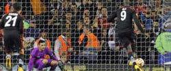 Demba Ba marque sur penalty en Europa League