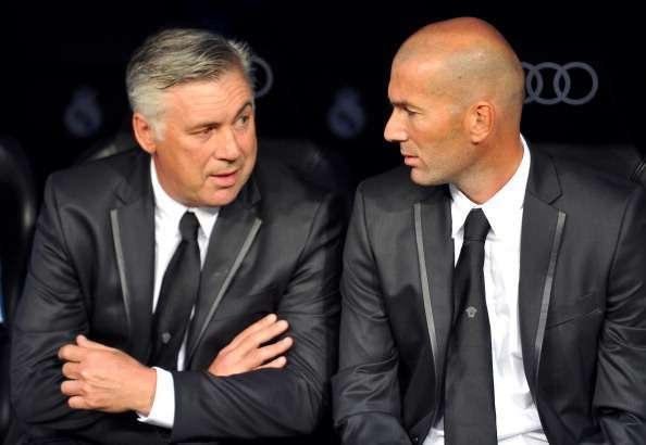 """Real : Ancelotti vole au secours de Zidane, attaqué par un """"collègue"""" de Liga..."""