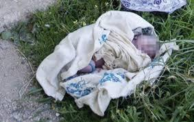 Lendemain de Tabaski : Une femme abandonne son Bébé devant une maison à Sacré Cœur III