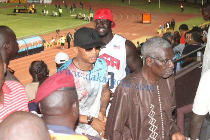 """El hadj Ousseynou Diouf au stade pour soutenir les """"lions"""""""