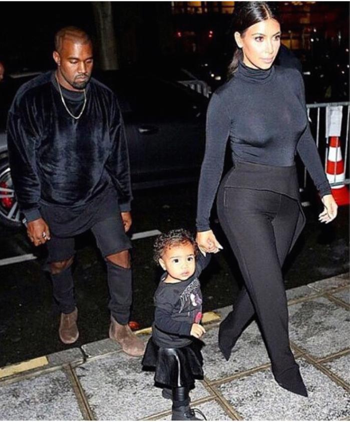 Kanye West veille sur sa petite famille
