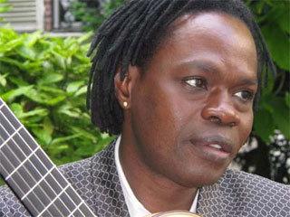 """Baba Maal va annoncer l'annulation de l'édition 2014 des """"Blues du fleuve"""" (communiqué)"""