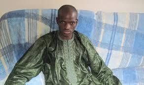 """Les tomahawk du responsable Apr de Touba, Fallou N'diaye :   """"Les députés du département de M'backé ne sont d'aucune utilité (...) Ces parvenus sont d'ailleurs tous logés à Dakar (...)"""""""