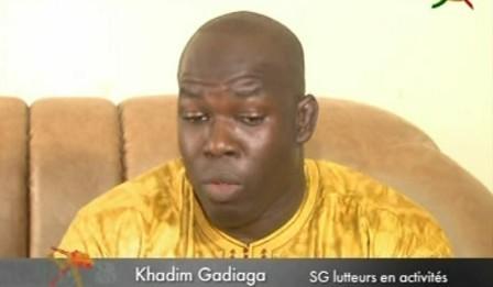 """Les vérités du lutteur Khadim Gadiaga membre du Cng :  """"Ça fait 20 ans qu'Alioune Sarr dirige le Cng, il avait promis en 2010 de quitter à la fin de son mandat (...) Je me demande s'il veut faire du wax waxeet (...)"""""""
