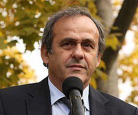 """Michel Platini qualifie le communiqué de la CAF """"d'insultant"""""""