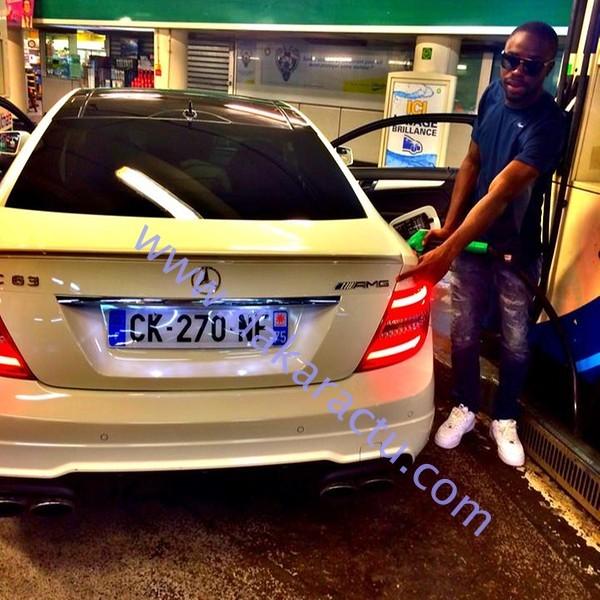 Voici la Mercedes que conduisait Sidy, le fils d'Idrissa Seck, avant qu'il ne soit arrêté par la gendarmerie française