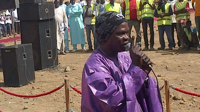 Baba Maal chante un morceau choisi par Macky