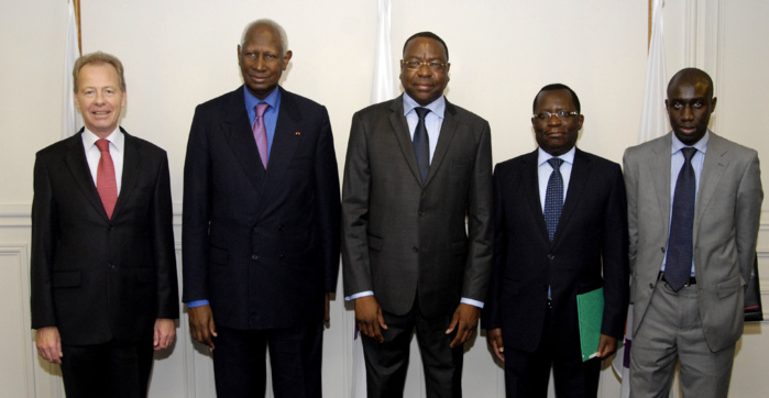 Photos de la rencontre du Ministre des affaires étrangères avec le Président Abdou DIOUF, au siège de l'OIF.