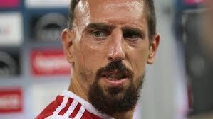 Franck Ribéry giflé par un supporter en plein match !