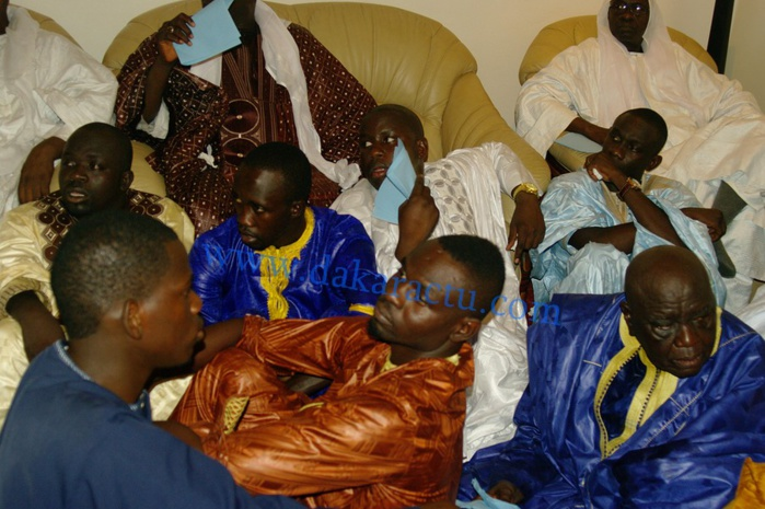 Magal Serigne Abdou Khadre Mbacké : Pape Diouf reçu chez lui par Serigne Bass Abdou Khadre ( images)