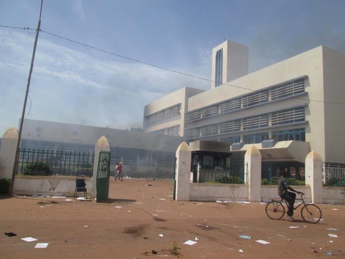 BOBO-DIOULASSO : Mise à sac de bâtiments administratifs...