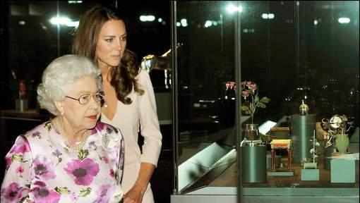 Kate Middleton malmenée par la reine