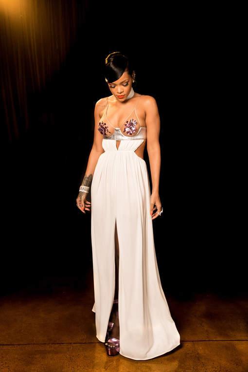 Rihanna ou Miley Cyrus: quel décolleté préférez-vous?