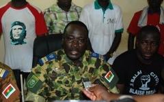 burkina-les-forces-vives-de-la-nation-et-les-forces-armees-nationales-suspendent-la-constitution