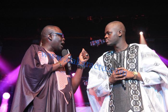 """Cheikh Baye """"dégaine"""" 10 millions, et le neveu de Wade N'diouga Sakho en rajoute 2 : Pluie de millions sur le chanteur Omaro à Sorano!"""
