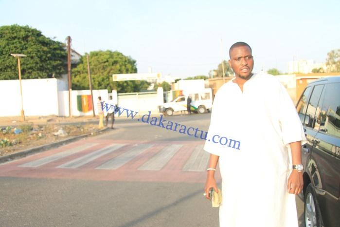 Social : Alé Niang, le fils de Me Madické Niang offre à manger et à boire aux détenus de Reubeuss (IMAGES)