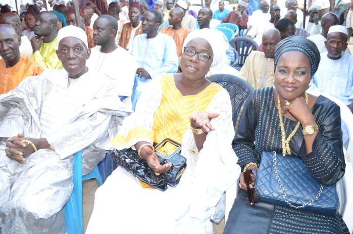 A droite, Mme Arame Diouf Dieng la Awo de Tanor