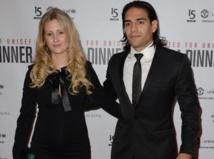 Radamel Falcao : il garde ses distances avec sa femme sur tapis rouge !