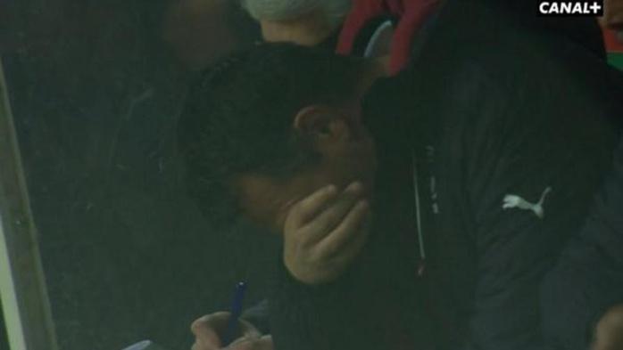 Willy Sagnol fond en larmes quand Cheik Diabaté fête son but avec lui