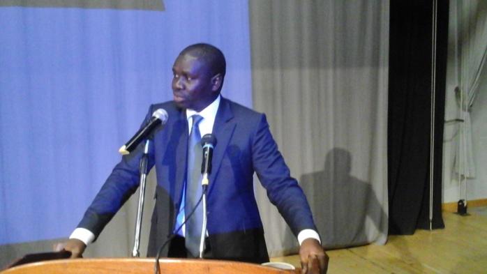 """Me Oumar Youm, Ministre de la Gouvernance locale et porte-parole du Gouvernement : """"S'il est réélu en 2017, Macky Sall se limitera aux deux mandats comme il l'a toujours dit (...) Organiser une marche dans le contexte actuel (...)"""""""
