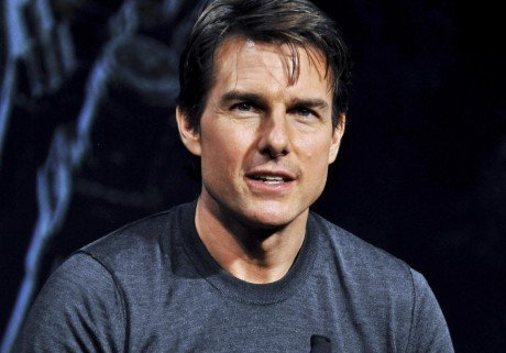 Tom Cruise amoureux de son assistante de 22 ans ?