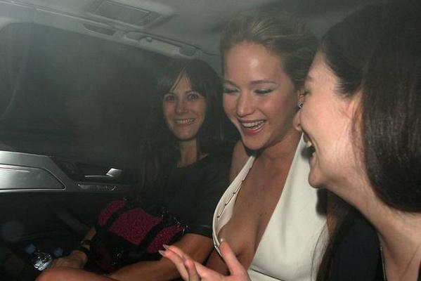 Oups, les seins de Jennifer Lawrence dévoilés