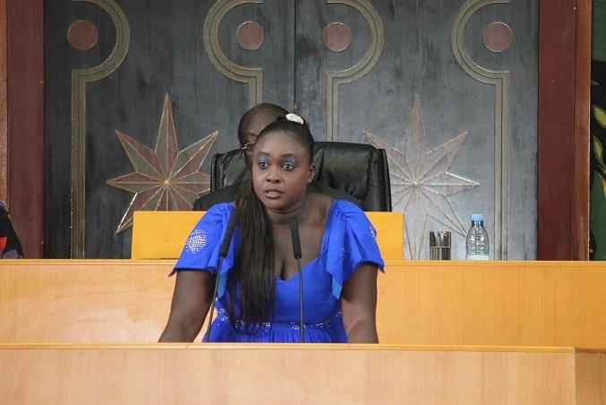 """Député Fatou Thiam :  """"Que le Gouverneur fasse une volte face ou pas, nous allons tenir notre meeting!"""""""